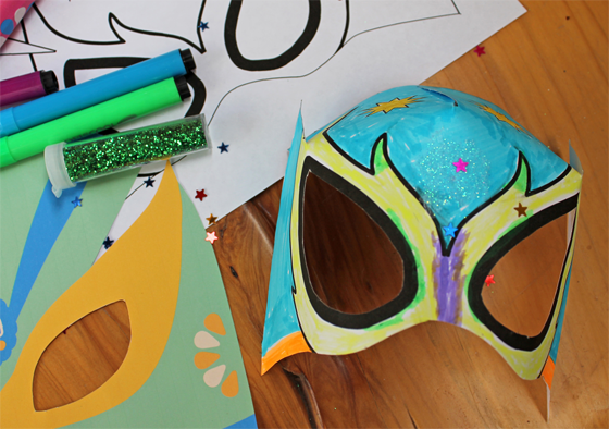 How to make lucha libre mask coloring in for 5 de Mayo!