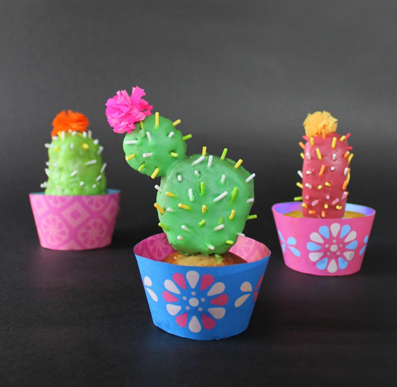 Easy to make craft tutorial on making cactus cupcakes!