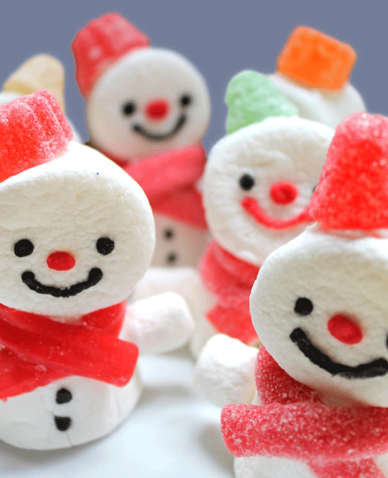 Easy step-by-step how to make marshmallow snowmen!