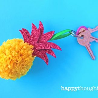 DIY pineapple homemade craft project: Key ring decoration