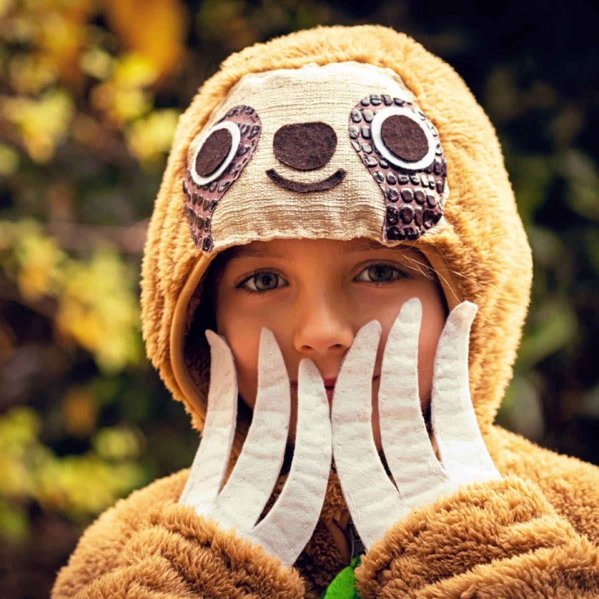 Transform your old hoody into a sloth costume