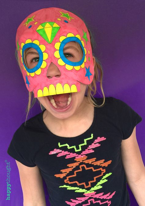 Easy and quick Halloween outfit - Homemade color in Mask and T-shirt idea!