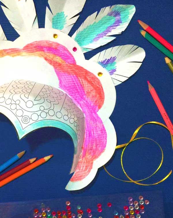 Cómo hacer tu propia corona de carnaval para fiestas