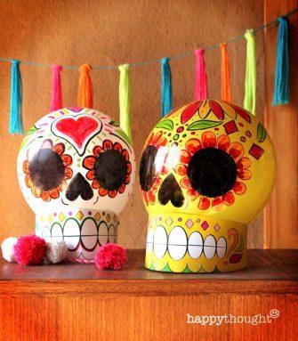 Easy balloon calavera skulls for Day of the Dead