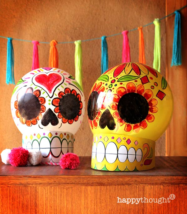 Make your own balloon calavera skulls with instructions and DIY template