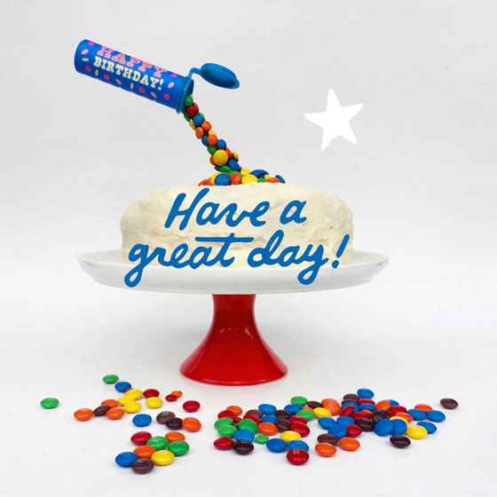 Have a great day! M&M birthday cake decoration: Anti gravity cake idea!