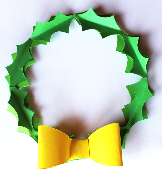 Jolly Holly robin in a Wreath templates and instructions: Happythought Holiday craft activity pack!