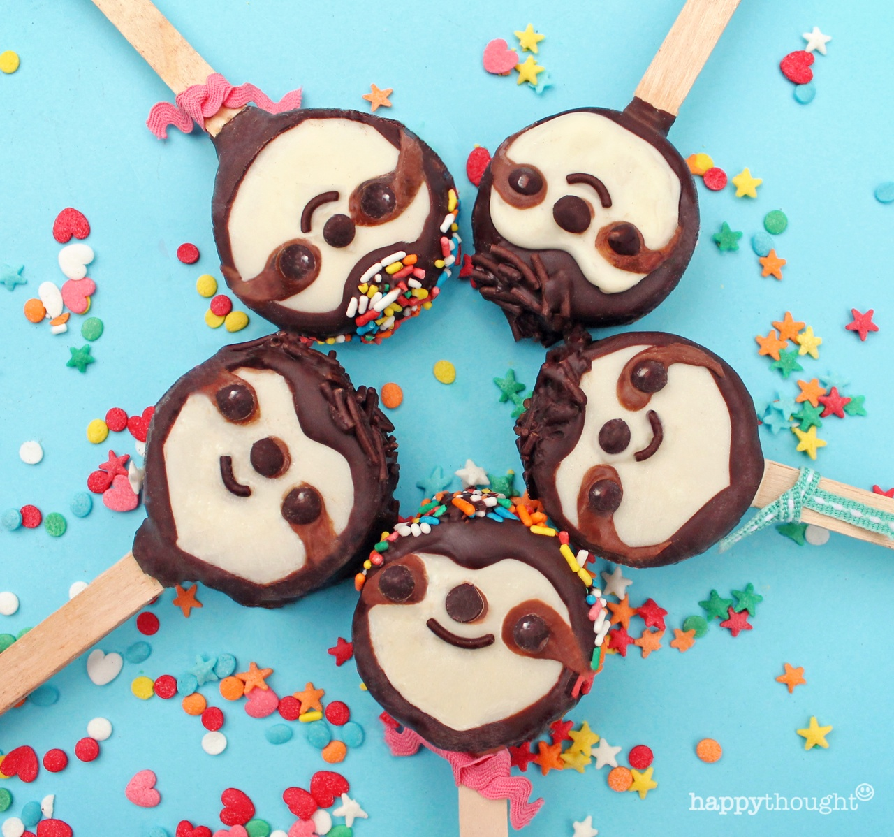 Sloth crafts: Biscuit lollie pop cookies!