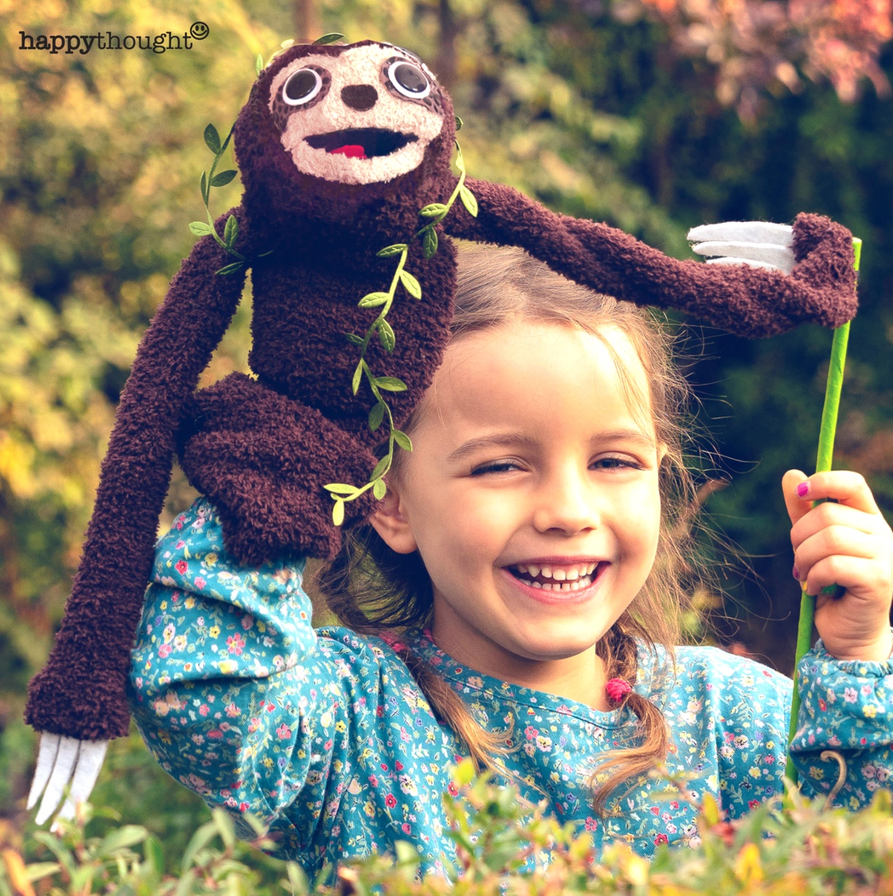 Sloth puppet craft. Perfect for class and home time play.